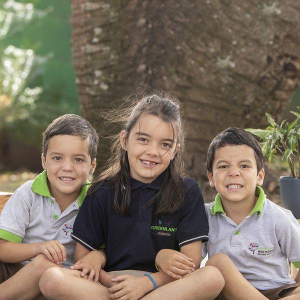 foto hermanos greenland gemelos montessori kinder