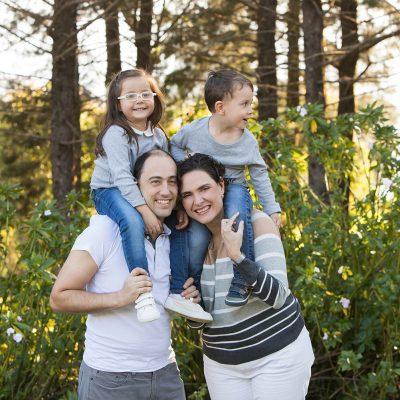 sesion familiar montaña atardecer hijos padres