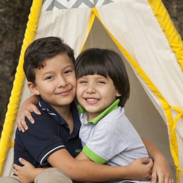 foto hermanos greenland montessori teppe