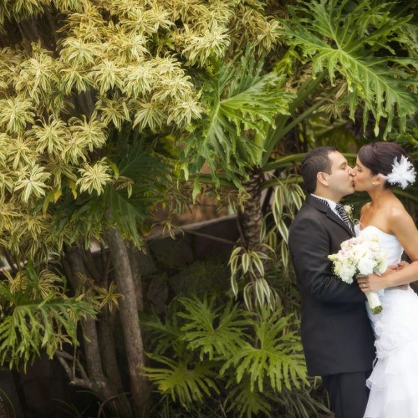 sesion novios boda pareja campo lago costa rica