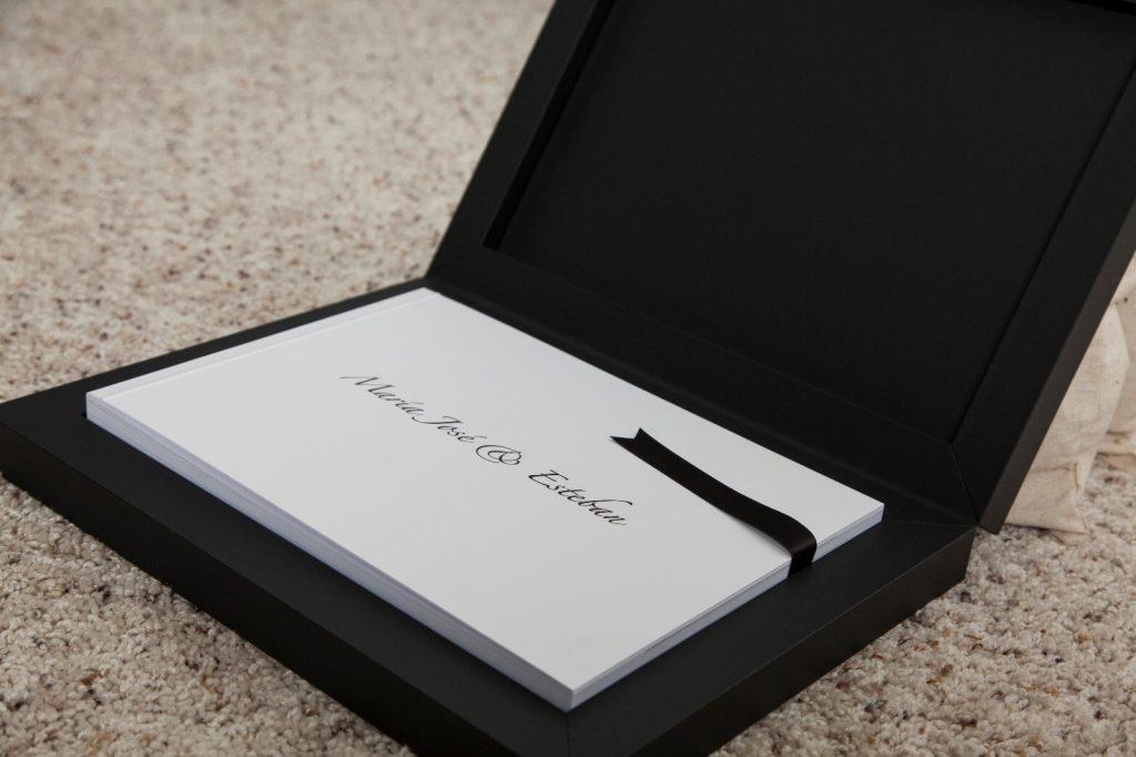 photo album black box white sheets