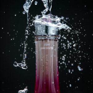 Foto de producto, botella pink Lacoste, Karla Cordero Photography
